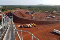 ROM Tip and conveyor to stockpile feeder in place